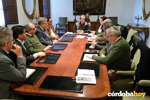 El Ayuntamiento ningunea a la Mesa del Río, aunque el resto de administraciones la sigue respaldando en sus reuniones