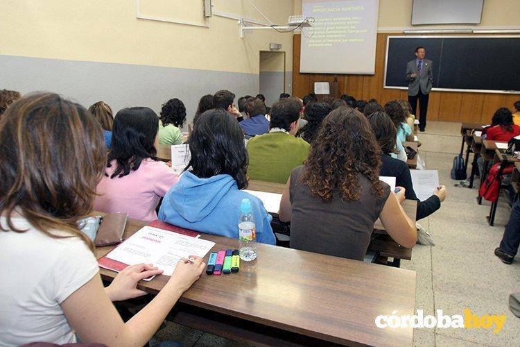 La junta s lo convocar plazas docentes en toda for Plazas de docentes 2016