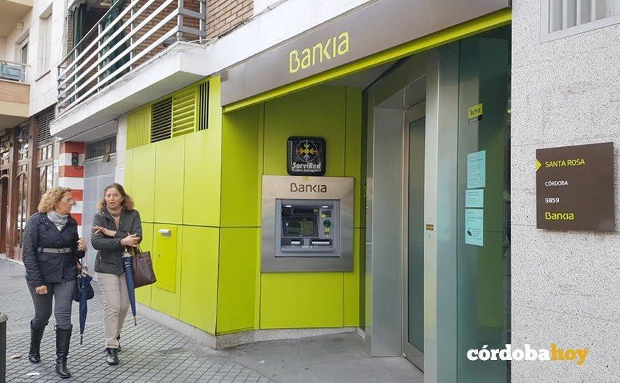 Bankia lanza la aplicaci n de paythunder que une el pago for Telefono oficina bankia