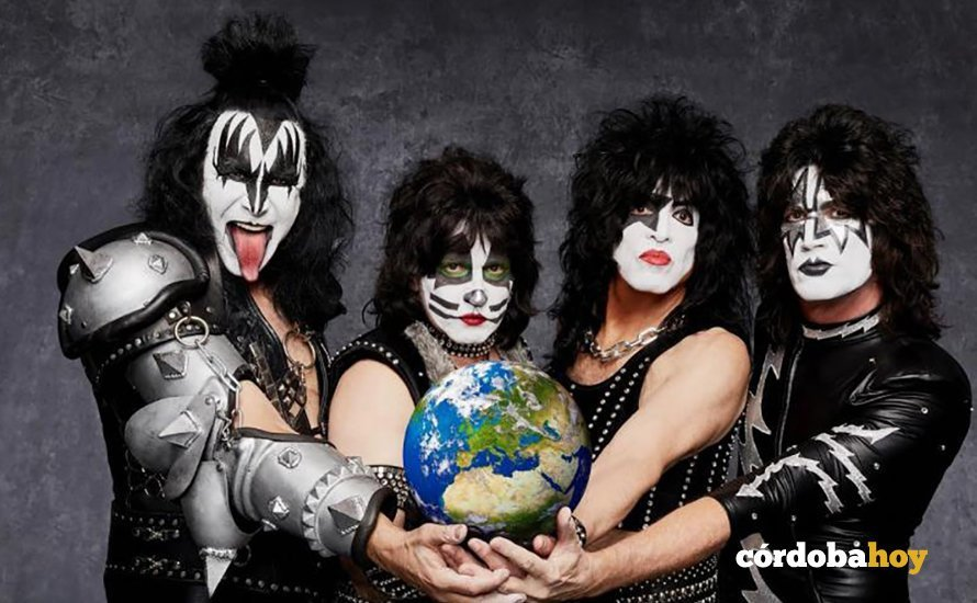 Gene Simmons, Eric Singer, Paul Stanley y Tommy Thayer como Kiss